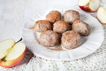Pełnoziarniste knedle z jabłkami