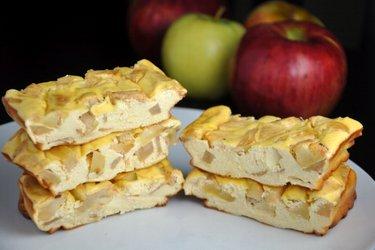 Jabłkowo-białkowe batoniki sernikowe (bezglutenowe, bezcukrowe)