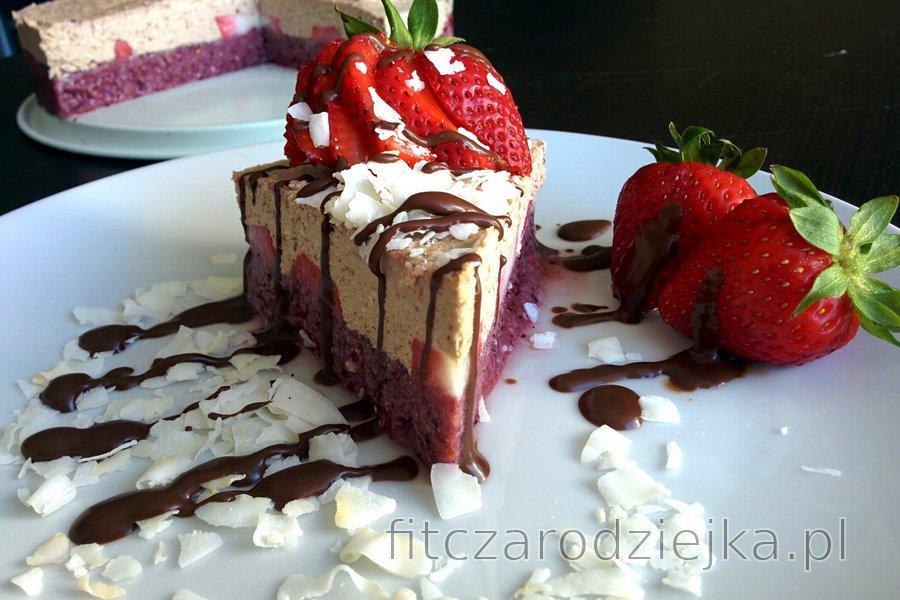 Zdrowe, orzeźwiające, mrożone ciasto owocowe