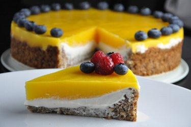 Ciasto o smaku mango z nadzieniem z ricotty