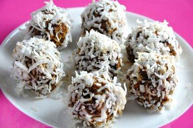 Kulki śliwkowo-cynamonowe (bez glutenu, bez cukru)