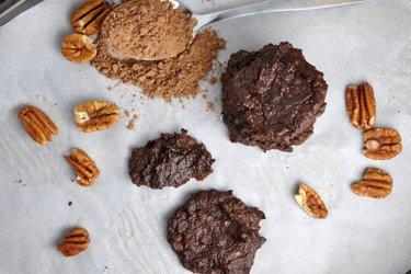 Bezmączne ciastka z kakao i awokado
