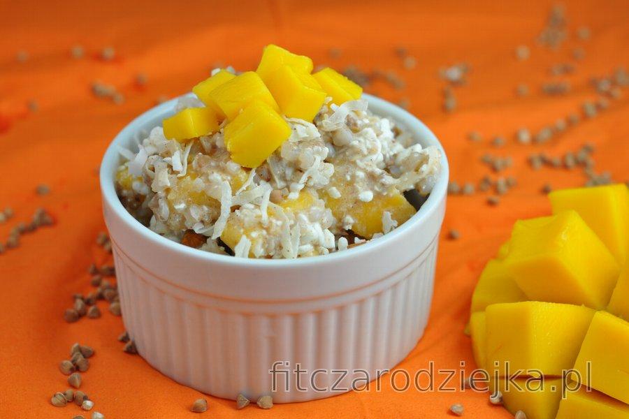 Zdrowa sałatka z mango
