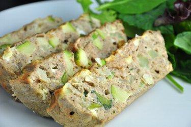 Dietetyczny zapiekany omlet z tuńczykiem