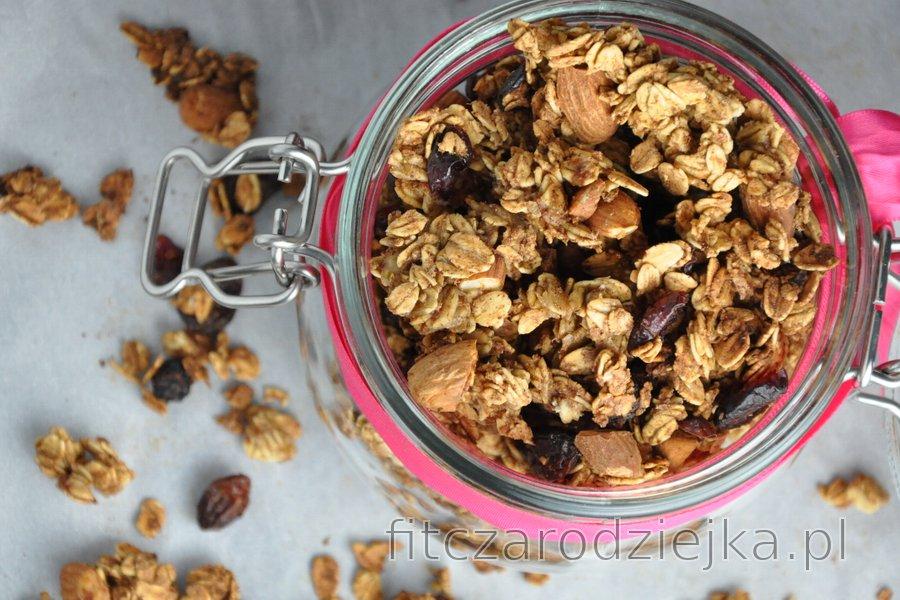 Chrupiąca pieczona granola (bezolejowa i bezcukrowa)