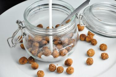 Zdrowe kulki zbożowe (waniliowe lub kakaowe)