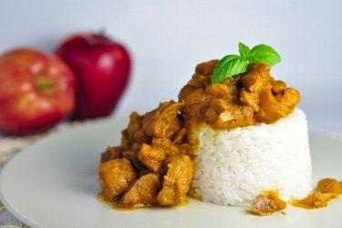 Fitness curry  z kurczakiem z jabłkami