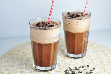 Orzeźwiający kawowy shake proteinowy