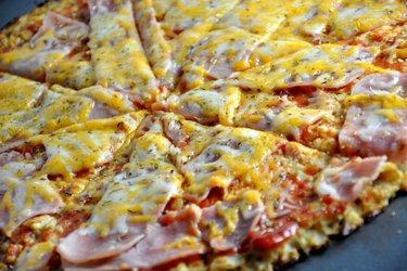 Zdrowa pizza kalafiorowa